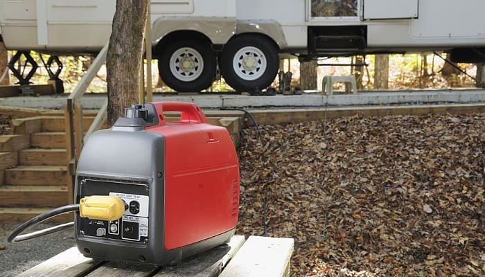 Does-running-a-generator-charge-an-RV-battery