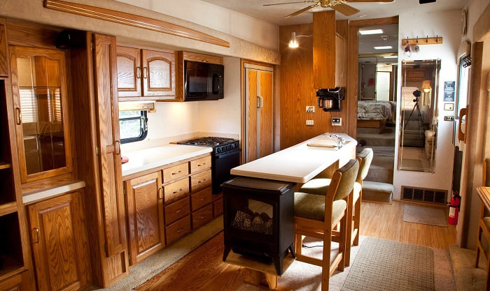 Can-you-put-a-regular-microwave-in-an-RV