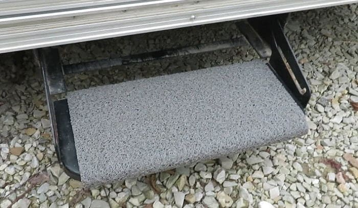 rv-step-rugs