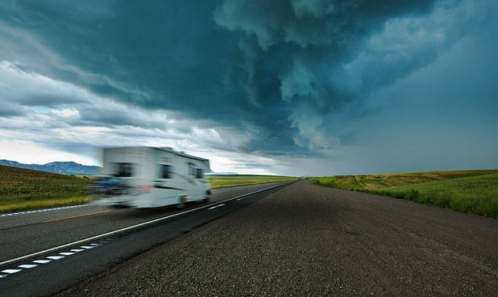 How-Much-Wind-is-Too-Much-for-Your-RV