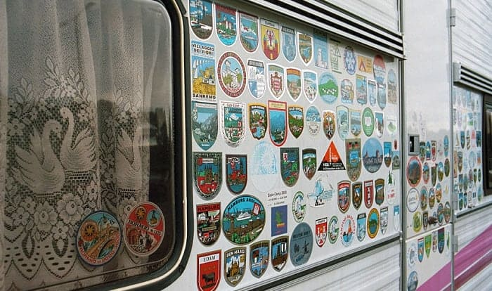 How-to-Remove-Decals-and-Graphics-on-an-RV