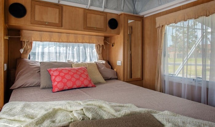 What-is-the-size-of-a-RV-queen-mattress