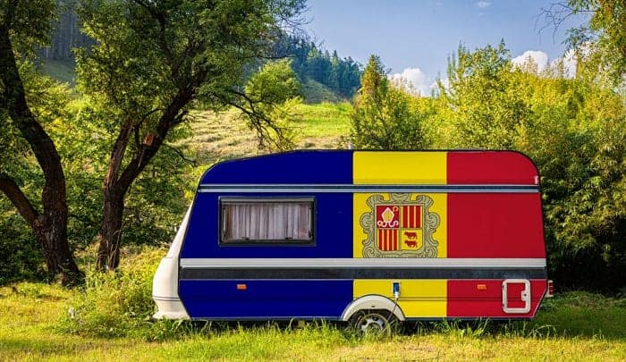 painting-a-camper-exterior