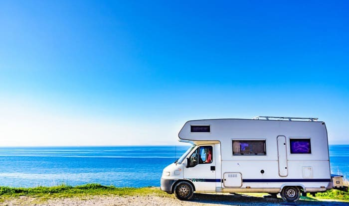 how much does a travel trailer weigh