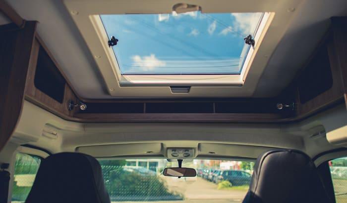 travel-trailer-skylight